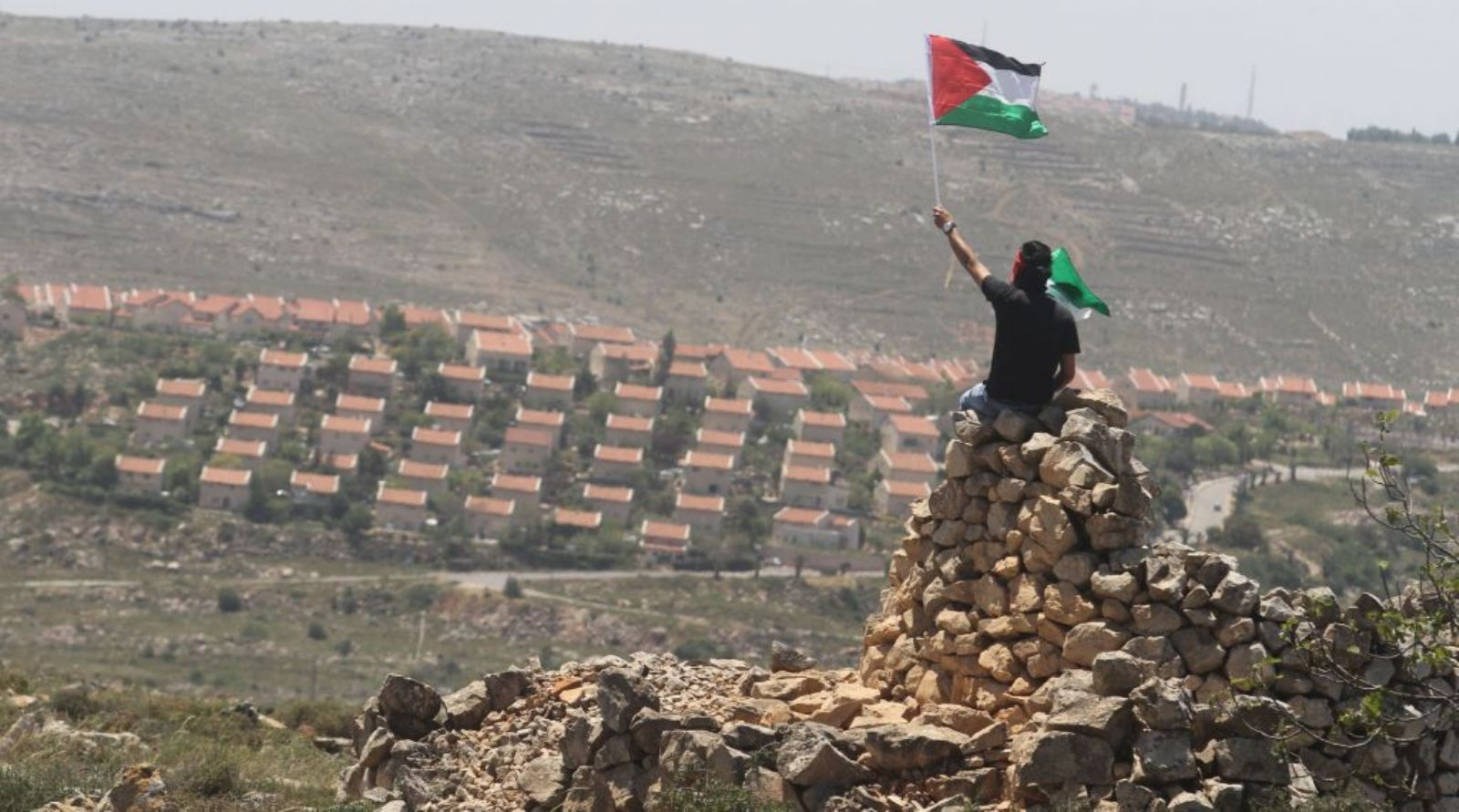 Israel demolishes two Palestinian homes in Nakab