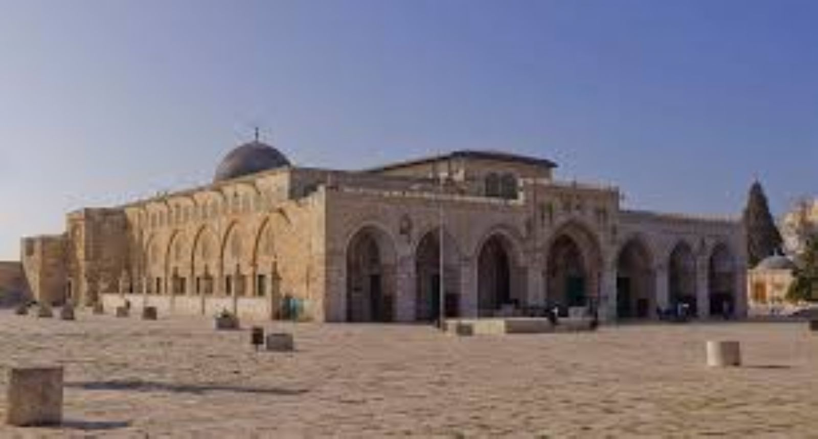 Jordanian calls to stop sale of church land in Jerusalem to Israel