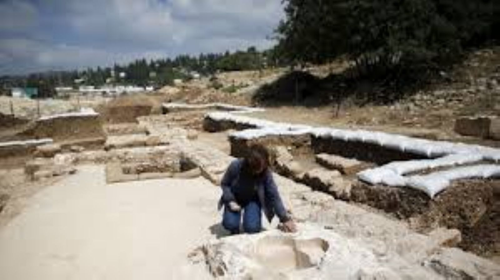 Israel discovers 500,000-year-old archaeological site