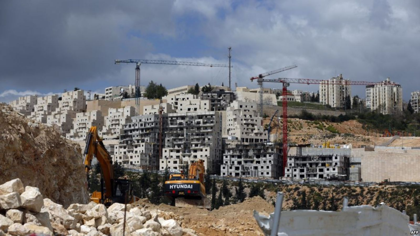 Israel to build 800 new settlement units in occupied Jerusalem
