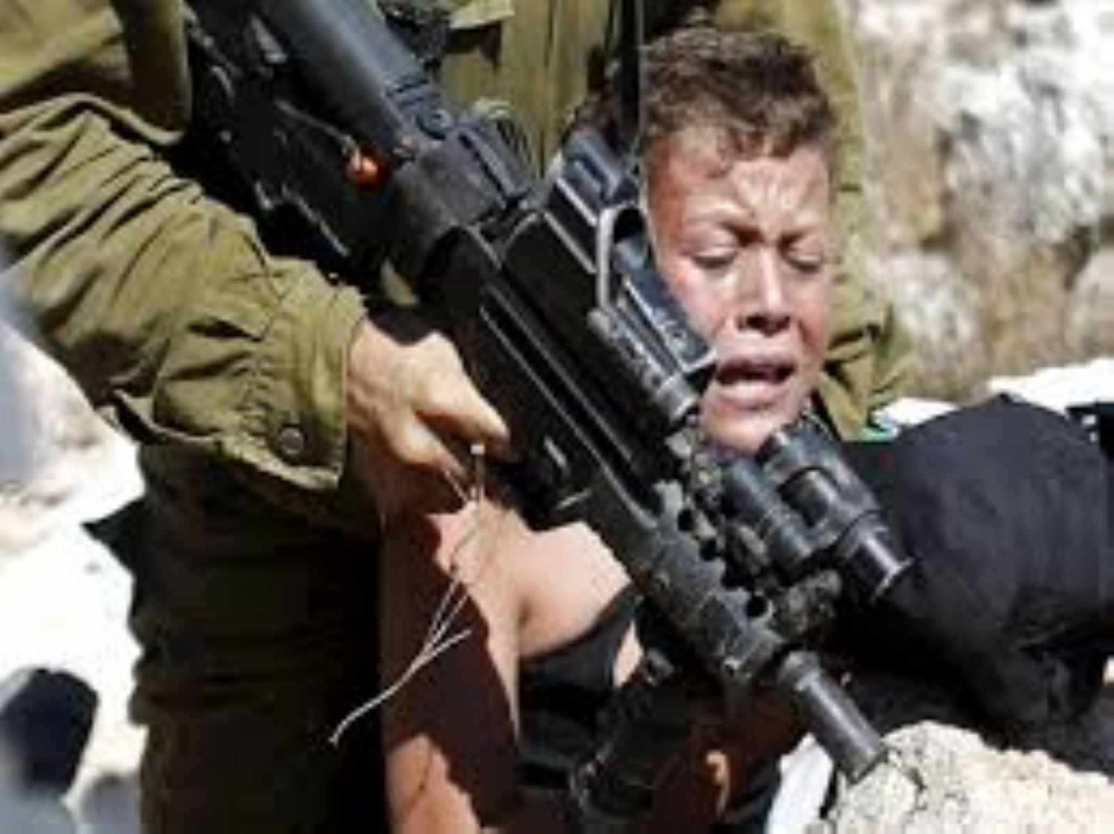 Israel hands over three Palestinian minors to PA